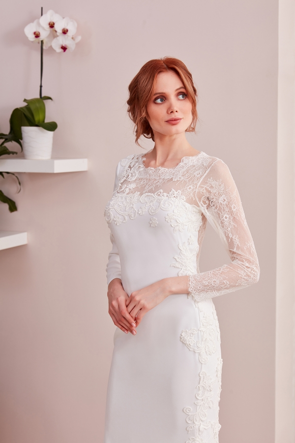 Custom Design Wedding Dresses - Free and fast delivery to all around the world. The best quality and affordable designs are avaliable in SerapStyle.