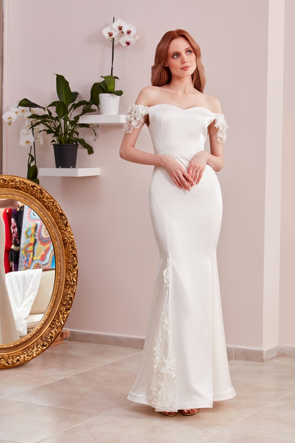 The best quality custom design dresses for weddings, parties, meetings are designed for you in SerapStyle. Free and fast delivery to all around the world.