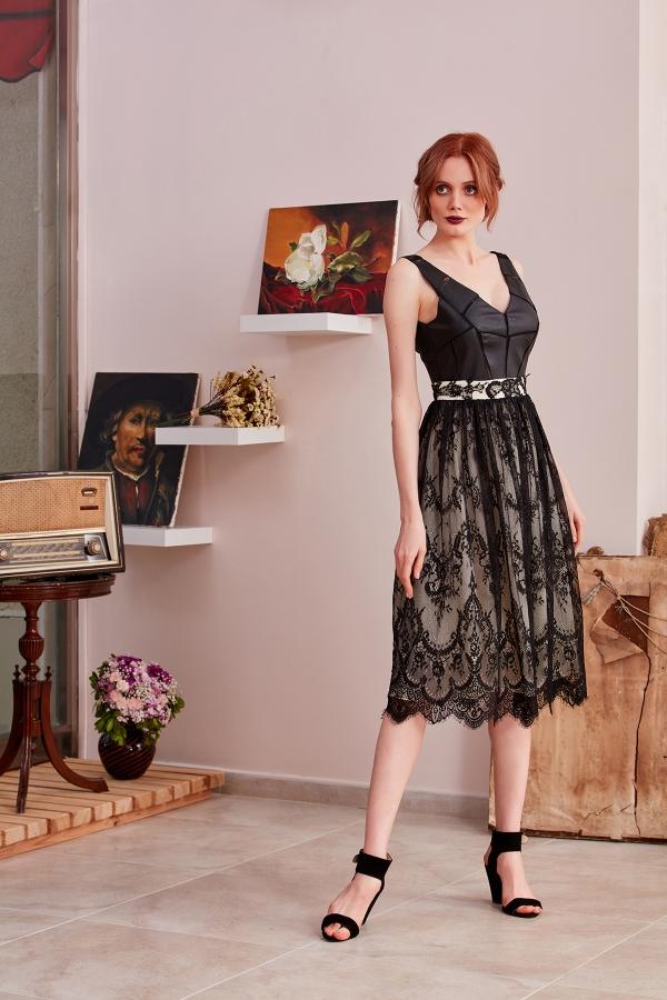 Uzun ve midi boy abiye elbise modelleri için web sayfamıza bekleriz.Çok farklı modern,vintage,şık ve zarif  modelleri sizin için tasarlıyoruz.