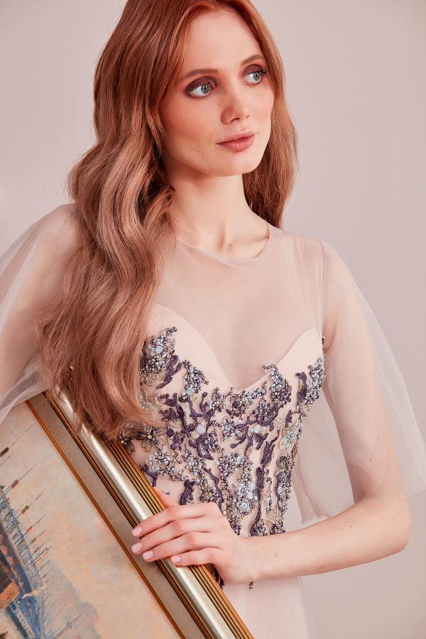 El işlemesi romantik ve modern özel tasarım abiye modellerimizi SerapStyle da uygun fiyat seçenekleriyle bulabilirsiniz.