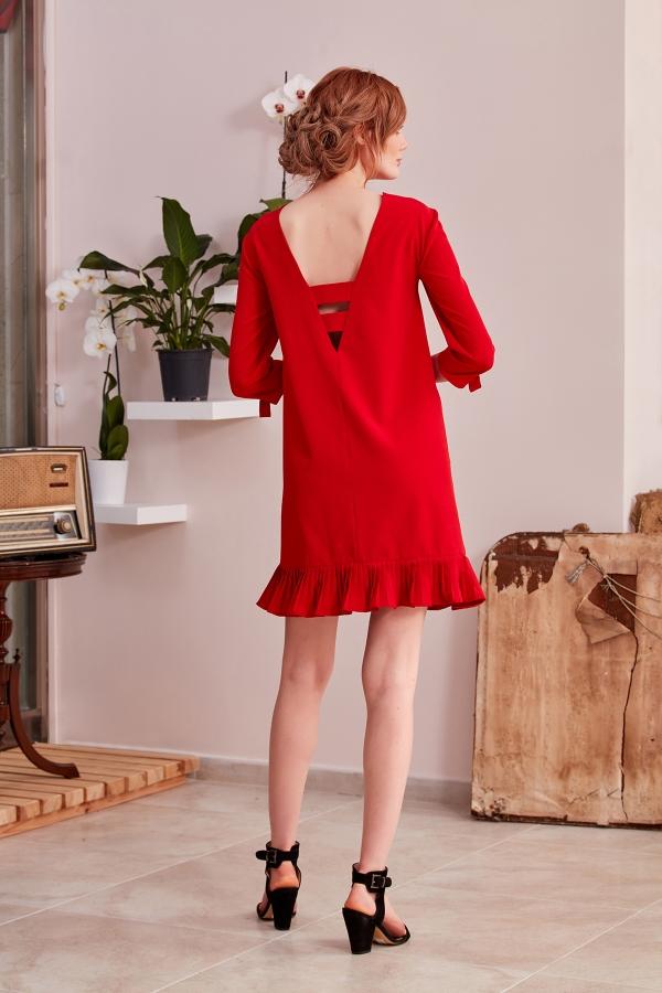 Tek parça tasarım elbise şıklığını ve zerafetini SerapStyle da bulacaksınız. Özel dikim avantajımız mevcuttur.