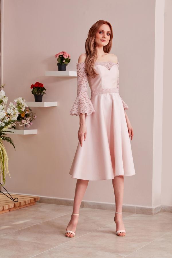 En şık ve uygun fiyatlı özel tasarım elbiselerimize sitemizden ulaşabilirsiniz. Size özel tasarlıyoruz ve en kısa sürede ulaştırıyoruz. SerapStyle