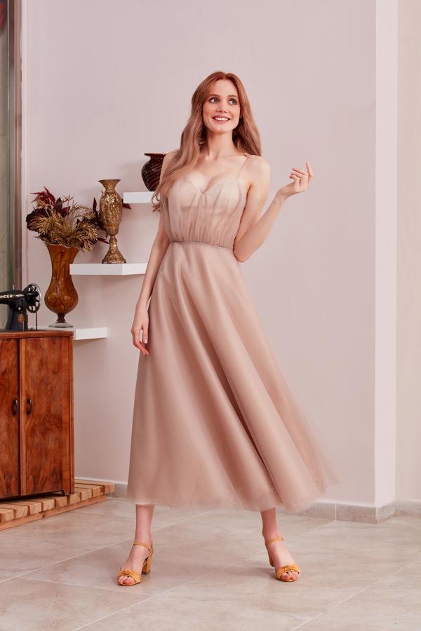 En şık ve uygun fiyatlı pudra rengi özel tasarım elbiselerimize sitemizden ulaşabilirsiniz. Size özel tasarlıyoruz ve en kısa sürede ulaştırıyoruz.