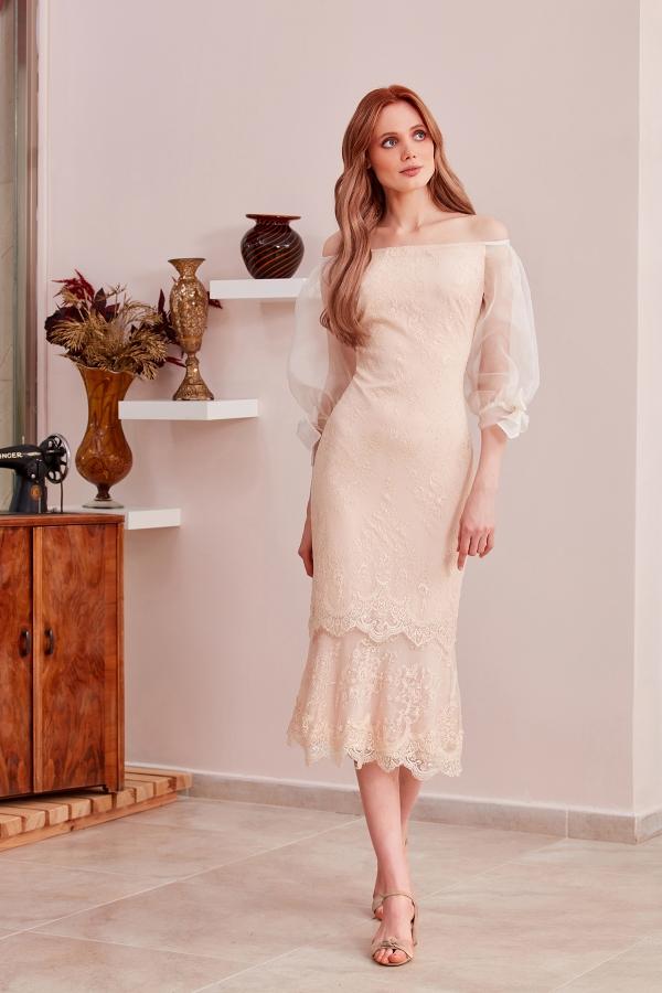 Özel tasarım ve özel dikim vintage elbise abiye modellerine web sayfamızdan ulaşabilirsiniz. Kisiye özel dikim abiye tasarım modellerini de bulabilirsiniz.