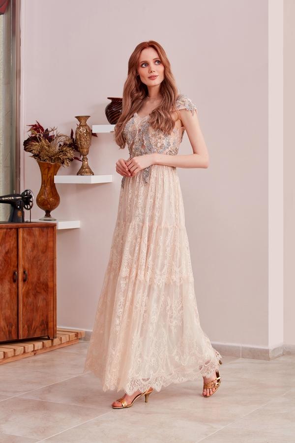 Modern ve vintage abiye elbiselerin en şık modelleri SerapStyle da size özel dikim seçenegiyle hizmet veriyor. Uygun fiyat seçenekleri.